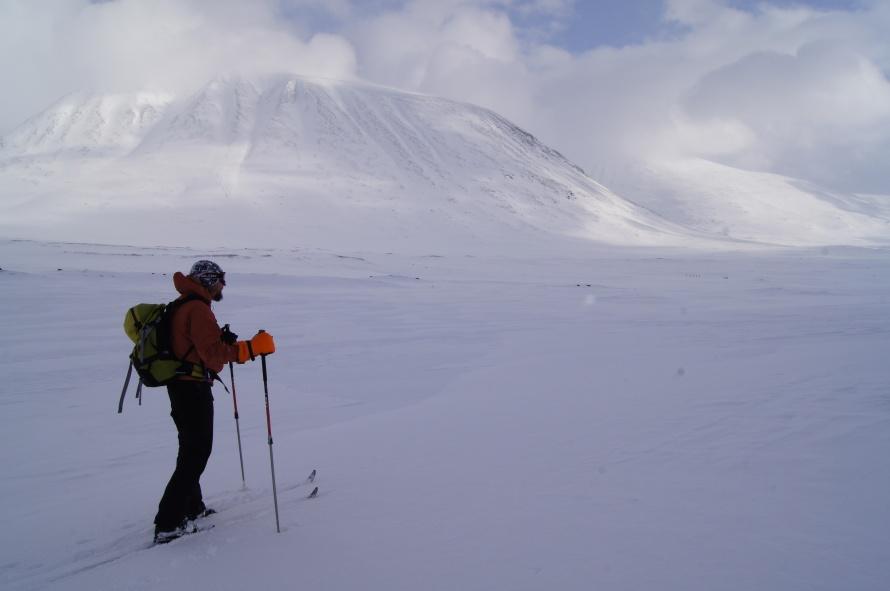 Διασχίζοντας με σκι το Αρκτικο μονοπάτι στην Σουηδια Kungslaeden