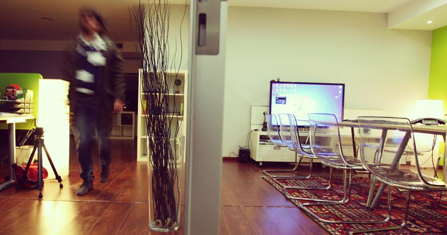 003_customedialabs_meeting-room