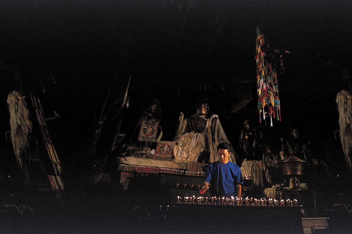 «Ανάβω καντήλια στο μοναστήρι Κουμτζούνγκ, όπως είχε κάνει κάποτε ο πατέρας μου, πριν ξεκινήσω για το βουνό».