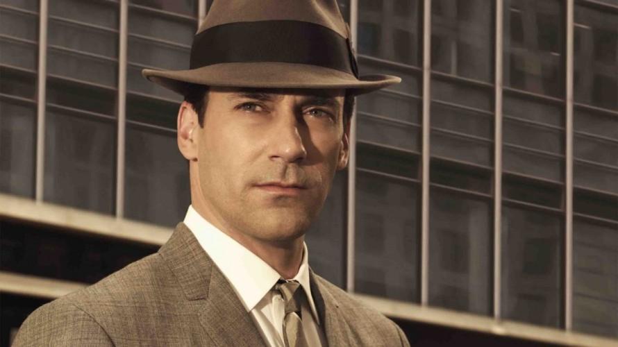 Ο Τζον Χαμ ως Don Draper, ο πρωταγωνιστικός ήρωας των «Mad Men» που λέγεται ότι «χτίστηκε» με βάση τα έργα και τις ημέρες του Τζορτζ Λόις.