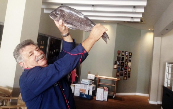 Πώς μαγειρεύουμε το ψάρι: Συμβουλεύει ο «μάστορας», Λευτέρης Λαζάρου