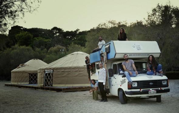 Οι νομάδες του «Caravan Project» ανακαλύπτουν κόσμους, συλλέγουν μνήμες