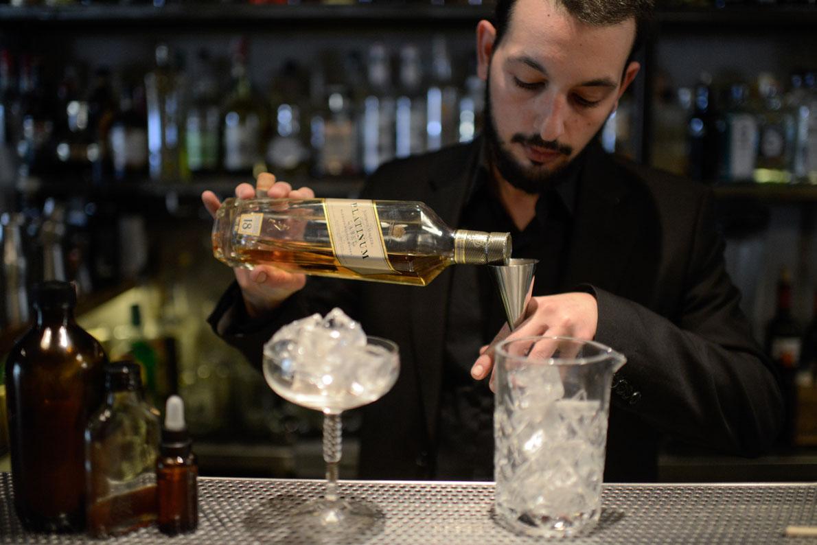 Δημήτρης Γούζιος, από το «Mosaiko bar», Αθήνα