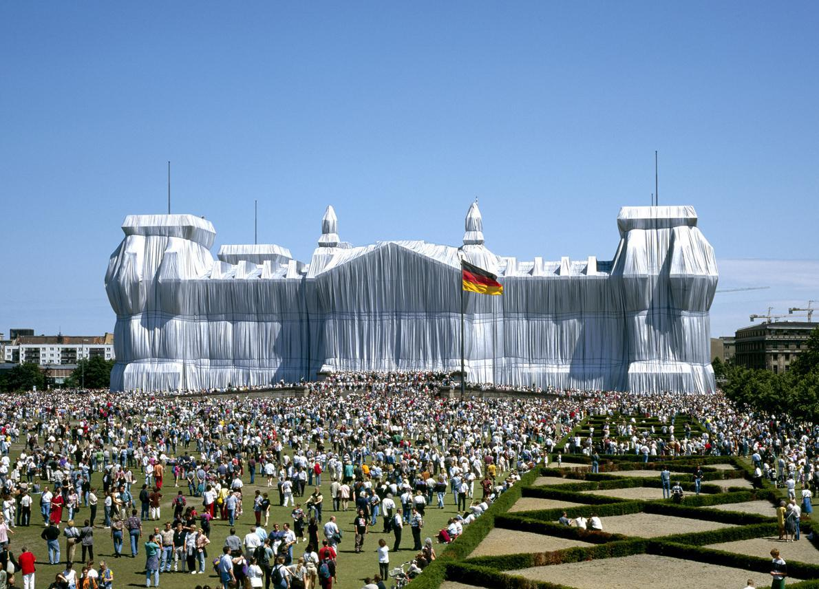 """""""Wrapped Reichstag"""", Christo και Jeanne-Claude"""