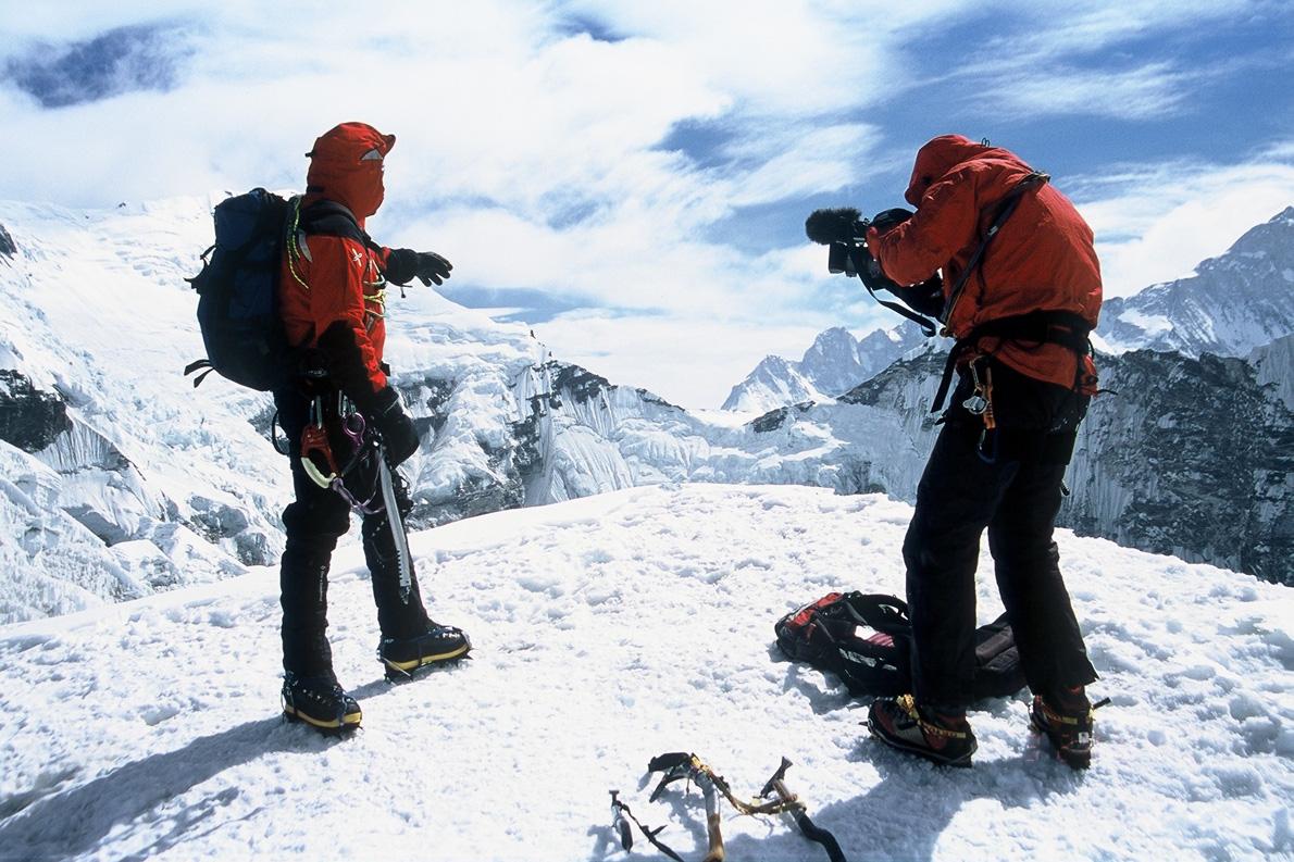 O σωστός εγκλιματσμός είναι απαραίτητος στα ψηλά βουνά των Ιμαλαΐων. Για το σκοπό αυτό η ομάδα ανέβηκε στην κορυφή Island Peak 6.189μ. (Φωτογραφία: Παύλος Τσιαντός)