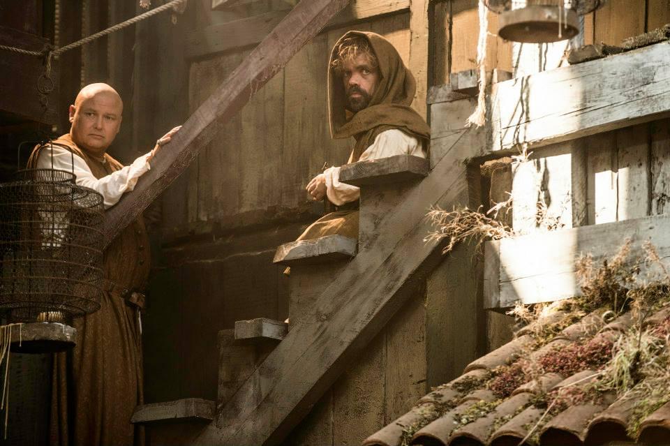 Ο Κόνλεθ Χιλ (Βάρις) με τον Πίτερ Ντίνκλέιτζ (Τίριον Λάνιστερ).