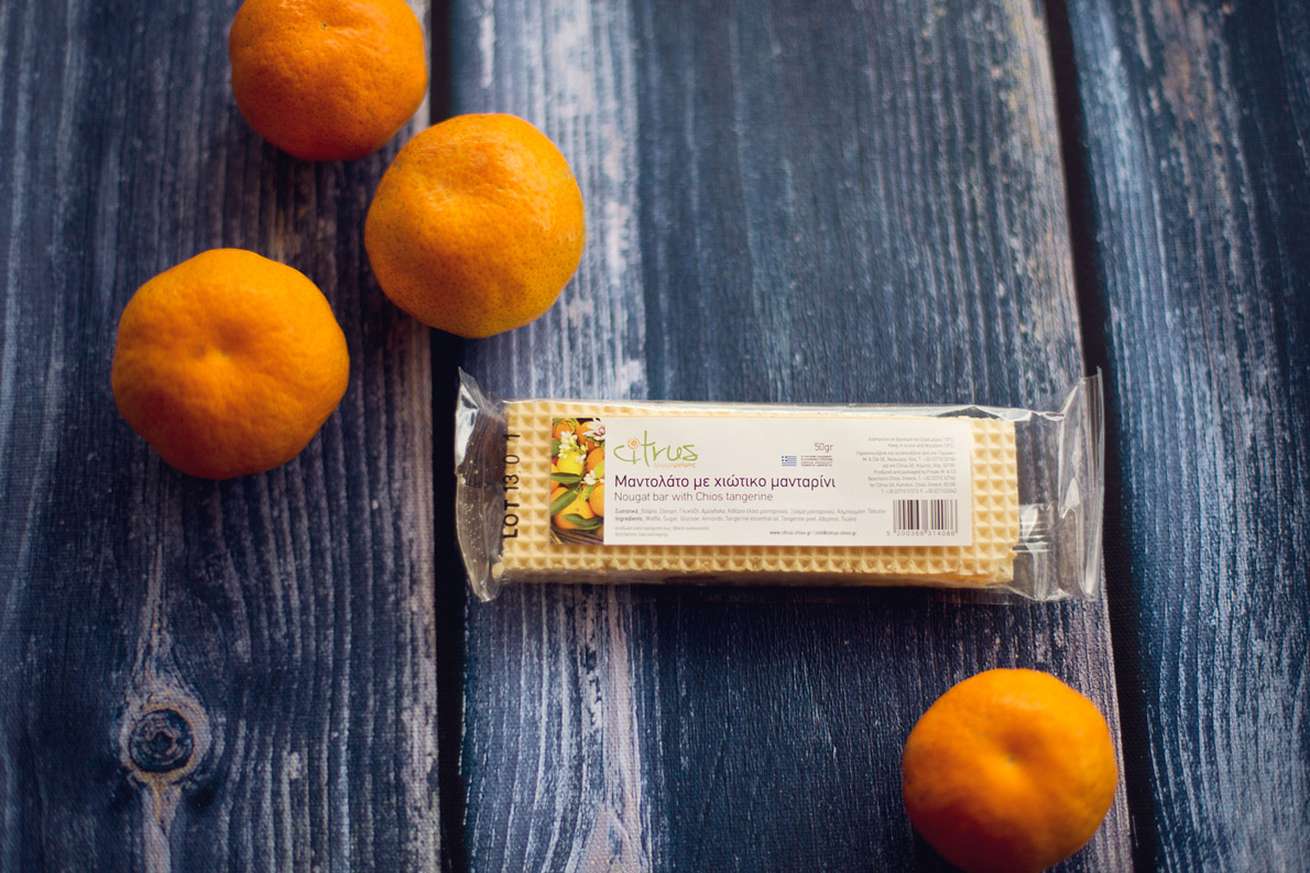 Το μανταρίνι δεν «παίζει» μόνο στο μαντολάτο της «Citrus». Θα το βρείτε και σε γλυκό του κουταλιού, σε (βιολογική) μαρμελάδα, σε αμυγδαλωτό, σε λουκούμι, σε παξιμαδάκια…