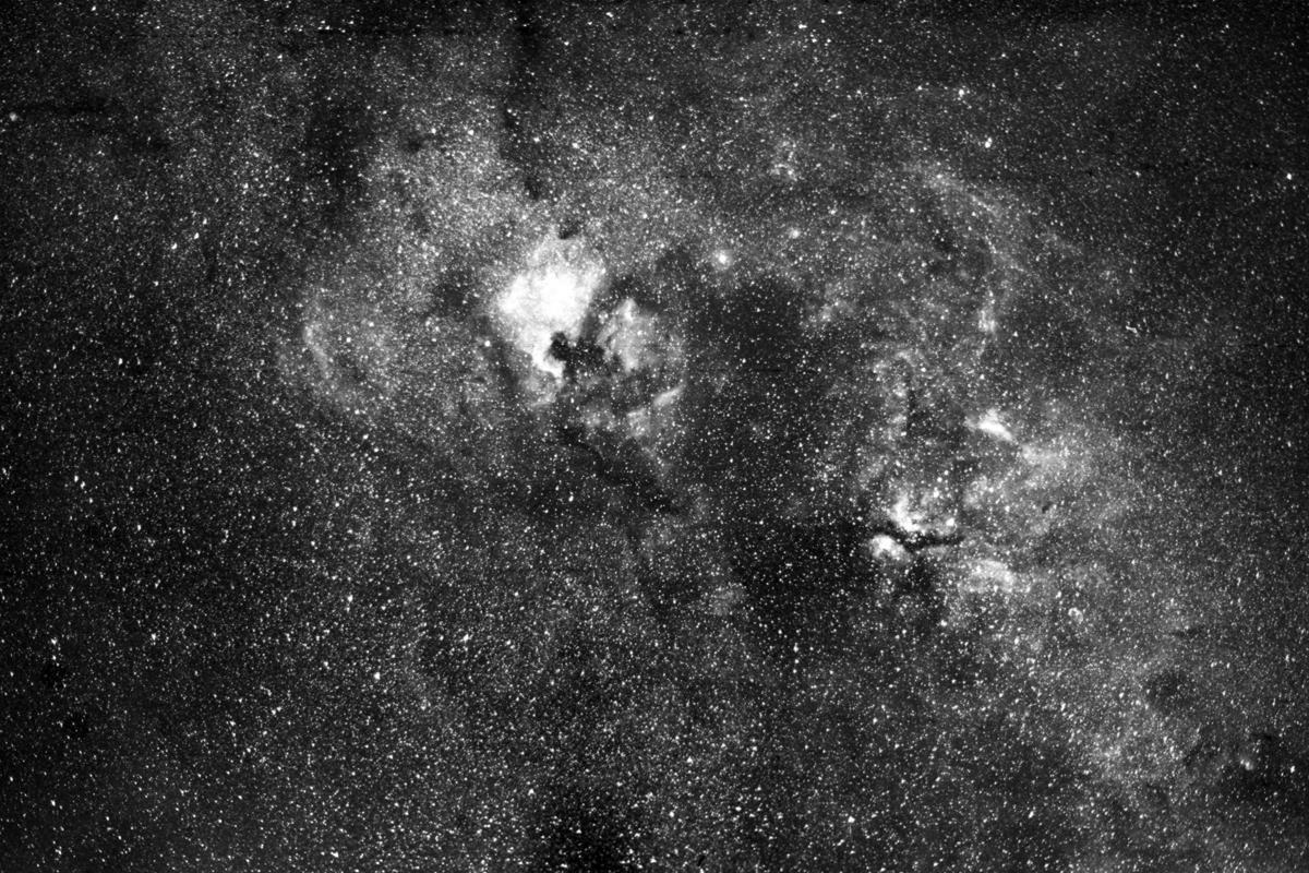 fbd7e1ffd53a 2000. Αύγουστος. Νεφελώματα στον αστερισμό του Κύκνου. ΠΑΡΝΩΝΑΣ