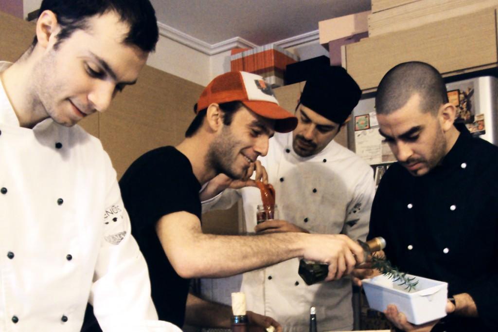 Οι Tip The Chef. Από αριστερά: Αντώνης Βασιλειάδης, Fahd Kassem, Βασίλης Τσιτσιριδάκης, Θοδωρής Χουντάσης.