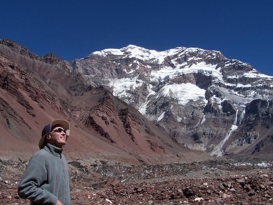 Ο Βέλγος σχοινοσύντροφος του Μαγγίτση, Ντάνι Ντε Μπλοκ, στο Ακονκάγκουα (6.962 μ. υψόμετρο).
