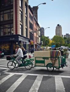 Στη Νέα Υόρκη τα στρώματα της Cocomat μεταφέρονται με ποδήλατο και τρέιλερ!