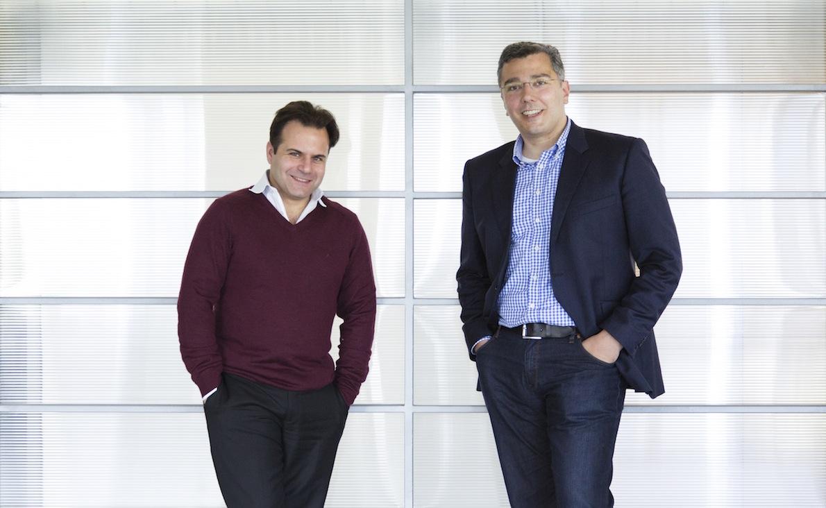 Ο Αλέξης Πανταζής και ο Αιμίλιος Μάρκου στα γραφεία της Hellas Direct