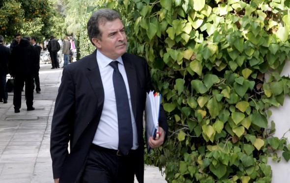 Ο αδιάβαστος Χρυσοχοΐδης τώρα δικαιώνεται