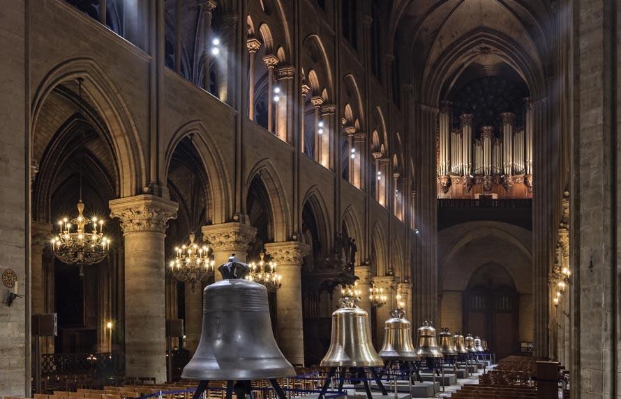 Cathedrale Notre-Dame de Paris nef nouvelles cloches-ok  577fecececf