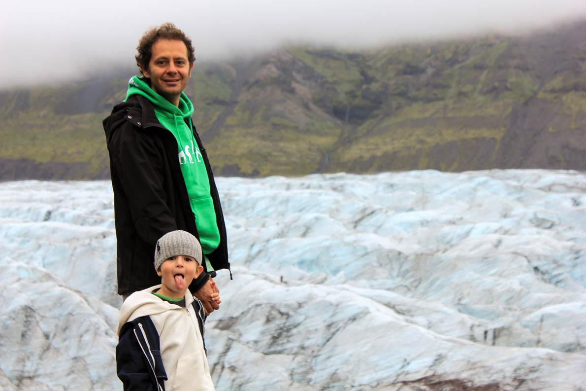 «Η παιδική αθωότητα είναι συναρπαστική. Τα παιδιά δεν έχουν εγκατεστημένα τα ''software'' της κοινωνίας». (Στη φωτογραφία Iceland July 2014- 3,5 years old)