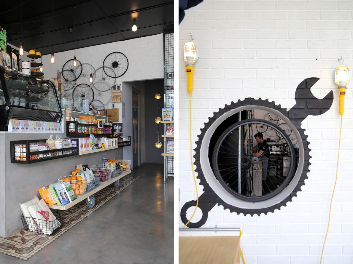 Από την διακόσμηση του δεν λείπουν οι αναφορές στο ποδήλατο που δίνουν το δικό τους στίγμα στο χώρο.