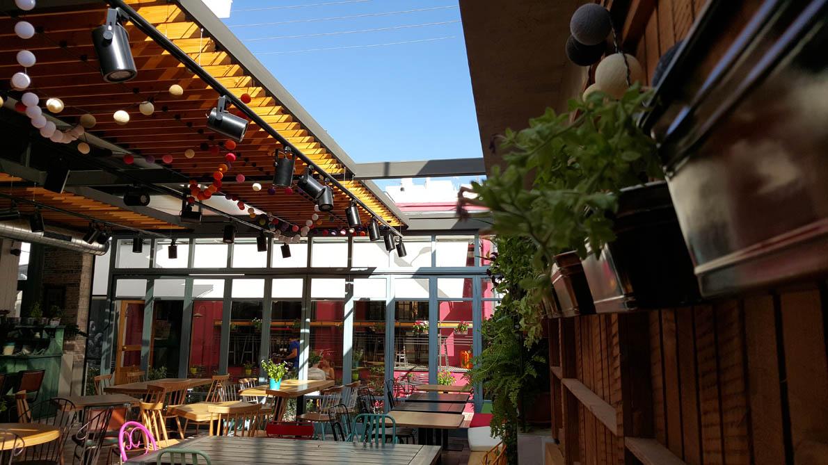 restaurant1-1190