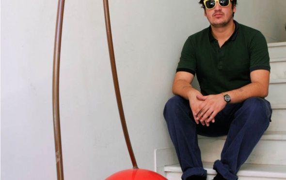 Γιάννης Βαρελάς: Στη Μύκονο της έλξης και της απώθησης