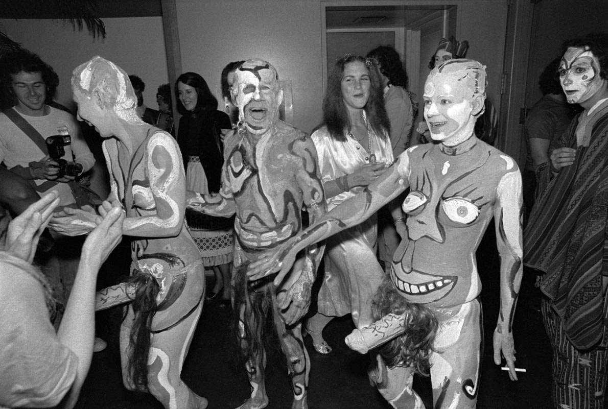 Partygoers in Erotic Costumes at Society Hookers  Ball  899017e6bb3