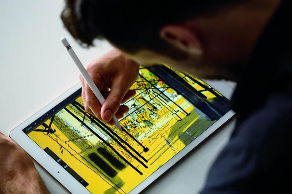 iPadPro_Pencil_Lifestyle1-PRINT-1190