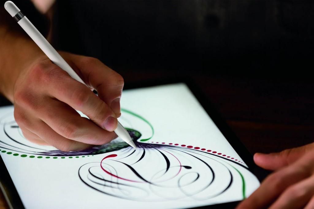 iPadPro_Pencil_Lifestyle2-PRINT-1190