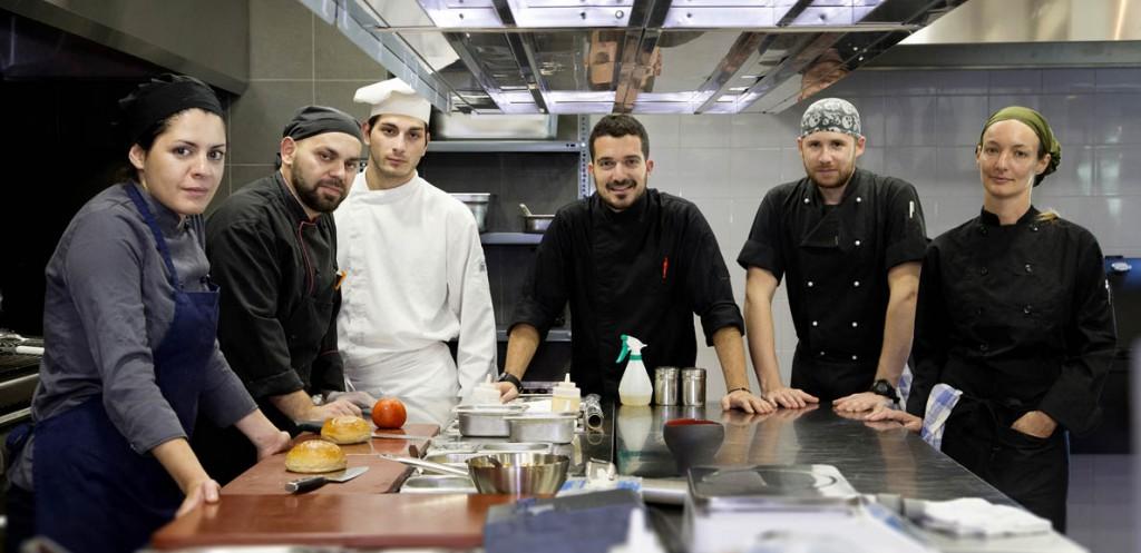 The kitchen team-1190
