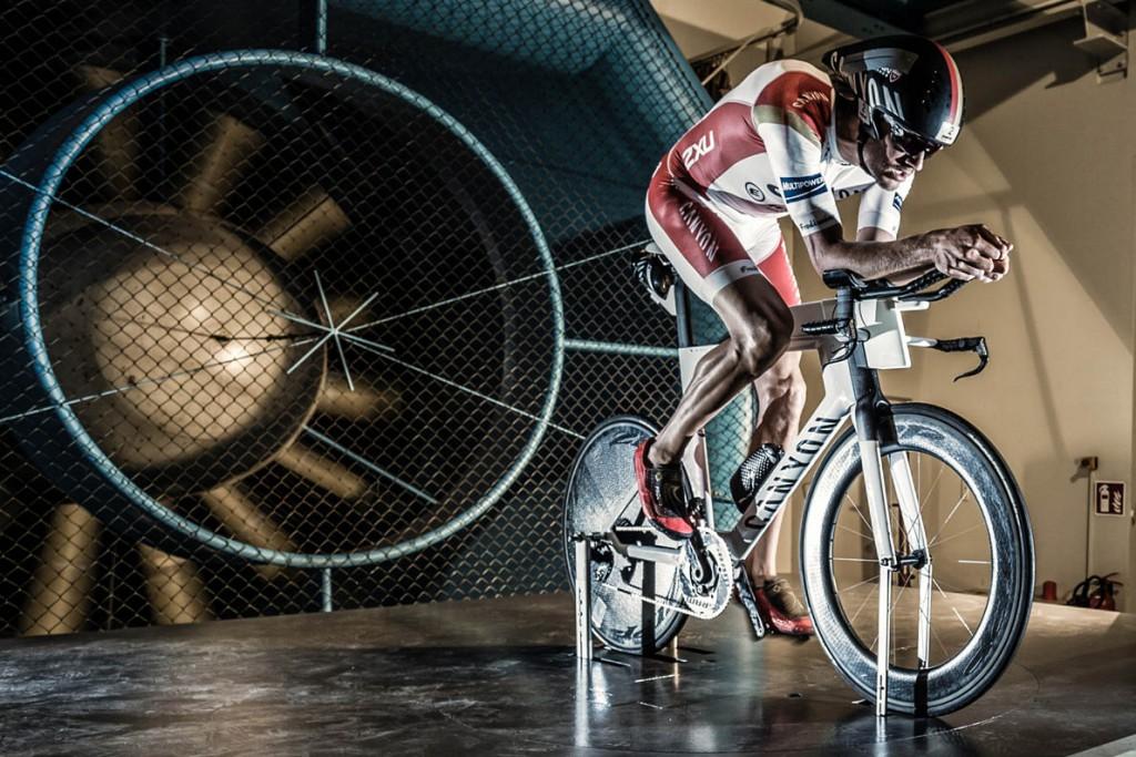 Canyon_Speedmax-CF-SLX-Windtunnel-testing_Markus-Greber