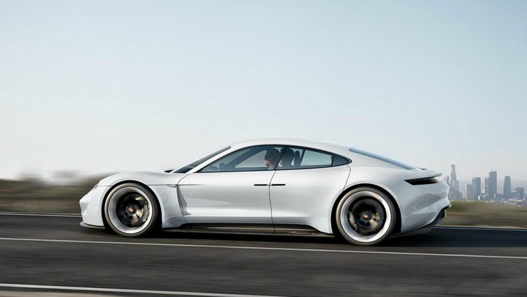 Porsche Mission e main