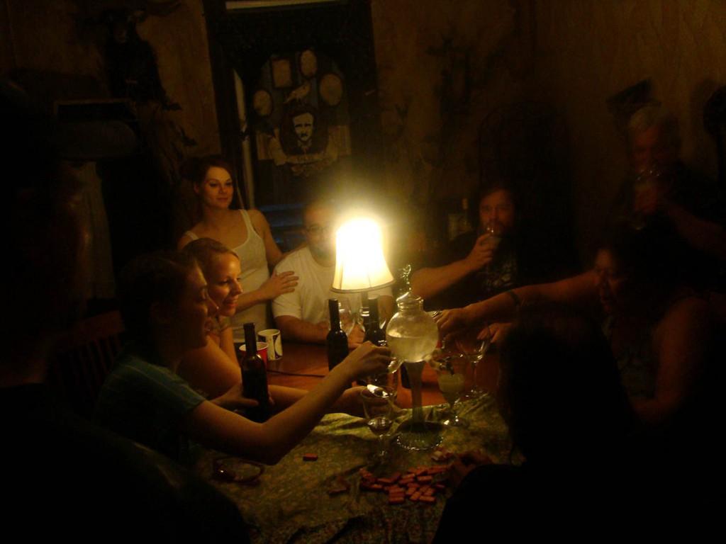 absinthe-004 Poe room
