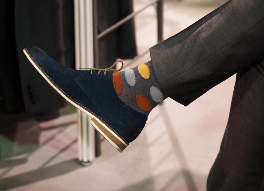meias-coloridas-e-o-traje-social-socks-on-the-beat-meias-masculinas-roupa-social-alexandre-taleb-121