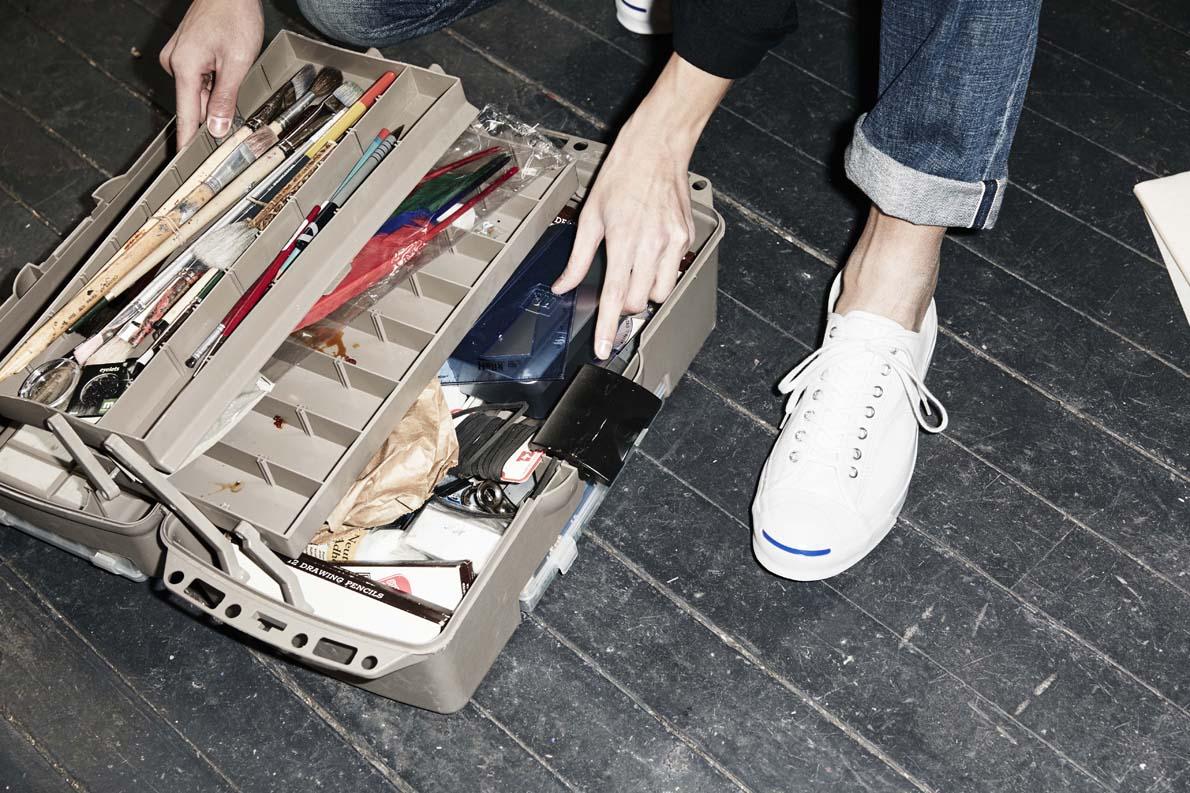 η Converse παρουσιάζει μια εκπληκτικά ευέλικτη επιλογή για τους άντρες που αγαπάνε και τα sneakers αλλά και τα σακάκια τους.