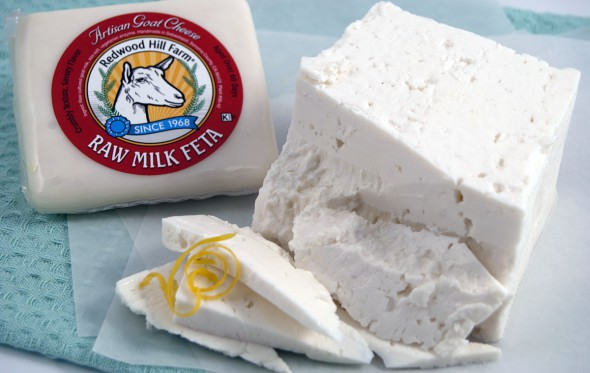 Εμείς γιατί δεν πουλάμε απαστερίωτο τυρί;
