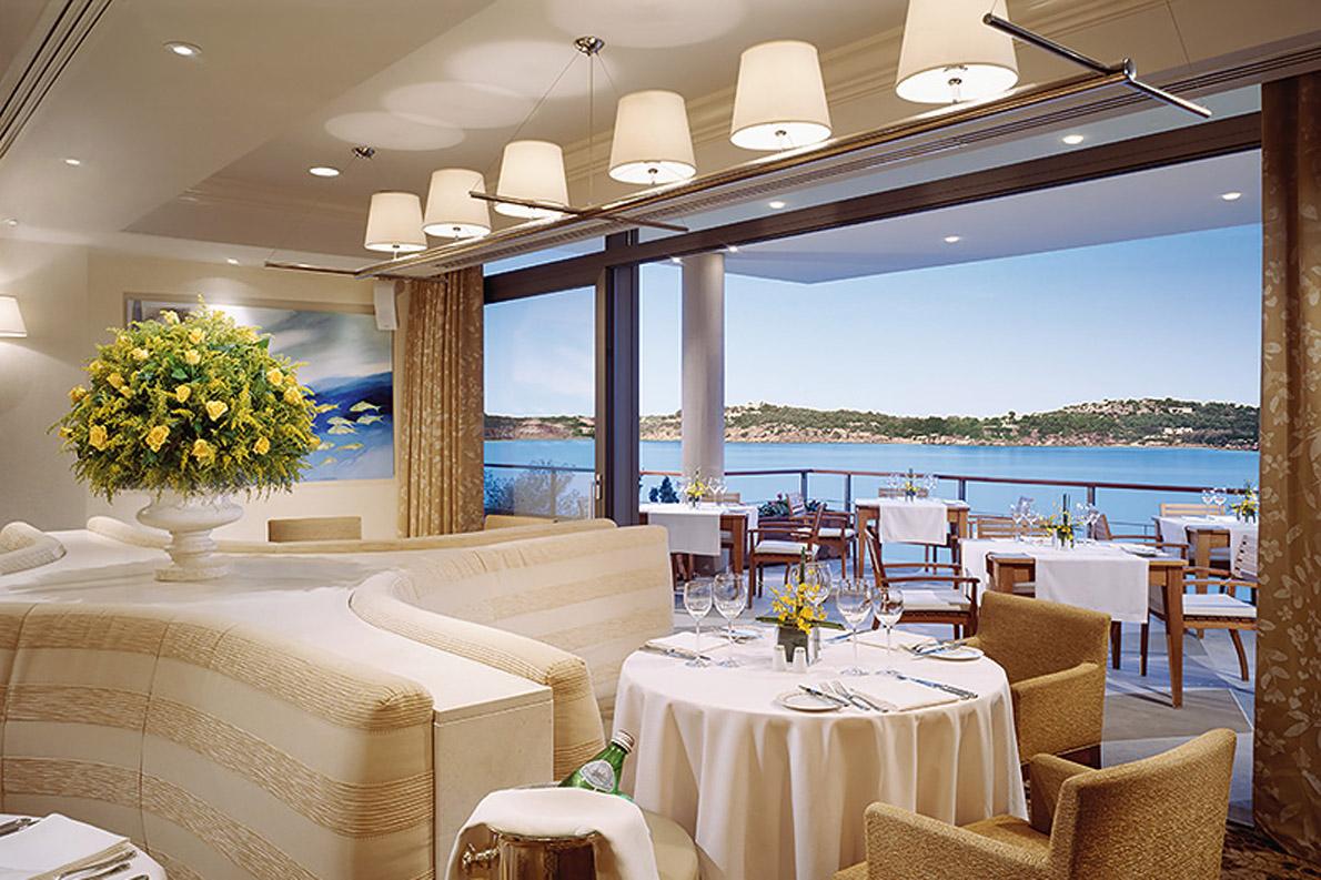Το Alia Brasserie του Astir Palace θα σας ταξιδέψει σε γαλλικά μονοπάτια με ένα μενού πέντε πιάτων édition limitée.