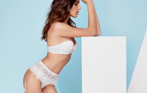 Η sexy Σαντορίνη εμπνέει και την Intimissimi