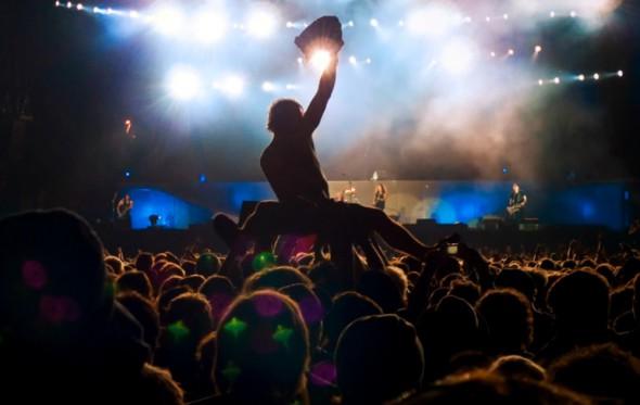 Τρόποι σωστής συμπεριφοράς για τις καλοκαιρινές συναυλίες