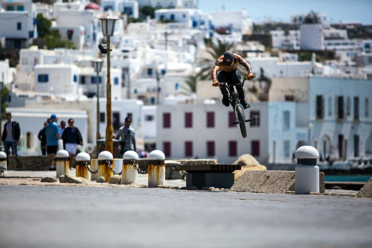 Panos Manaras performs a hop in Mykonos island