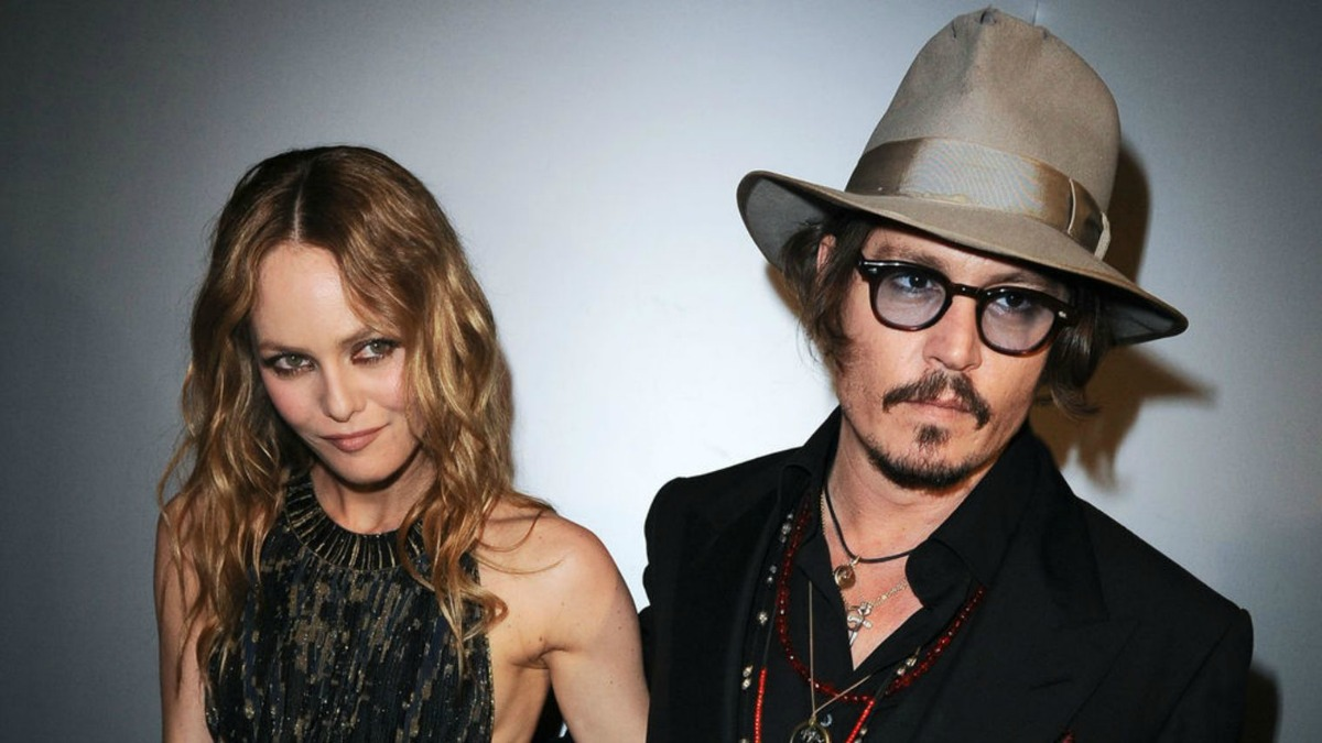 johnny-depp-splits-from-partner-vanessa-paradis_996949
