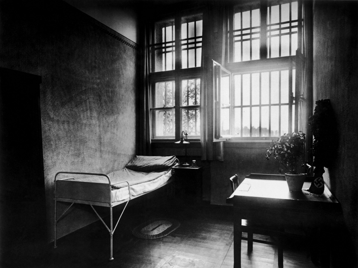 GERMANY - JANUARY 01: Adolf Hilter's room in the prison of Landsberg at Lech during his imprisonment after the so-called putsch 1923. Germany. Photography. 24.8.1923. (Photo by Imagno/Getty Images) [Adolf Hitlers Zimmer in der Gefangenen- und Festungshaftanstalt Landsberg am Lech waehrend seiner Haft nach dem sogenannten Putsch 1923. Deutschland. Photographie. 24.8.1923]