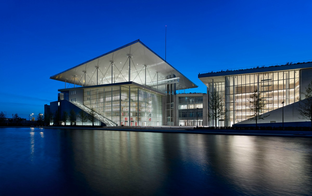 p2_stavros_niarchos_foundation_cultural_centre_night_view_yatzer