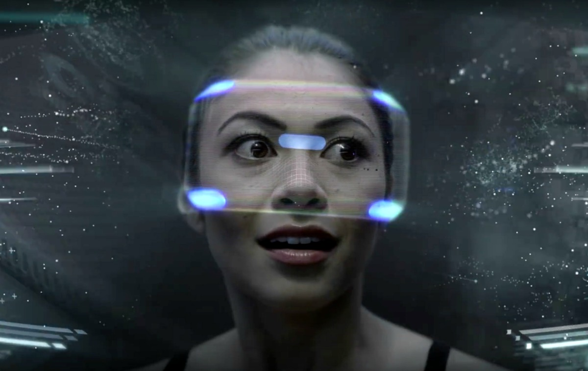 playstation_vr_-_project_morpheus_mockup_woman_face