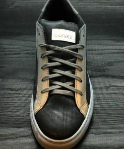 nat-2-vegan-wooden-sneaker-black-front-logo-kopie-kopie1
