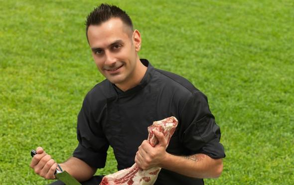 Ο σεφ του Grill Steak House Γιάννης Κουτεράνης αποκαλύπτει τα μυστικά του κρέατος