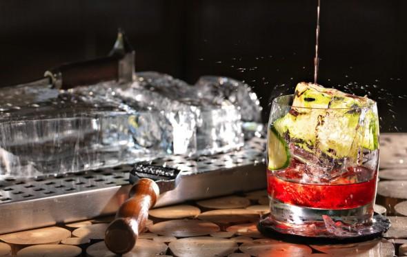 Πίνοντας θέα στο ολοκαίνουργιο Martini Bar του Matsuhisa