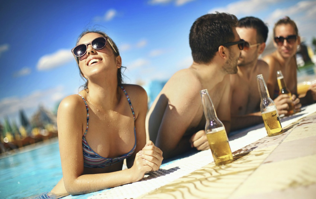 summer-associates-pool-party-beach-party