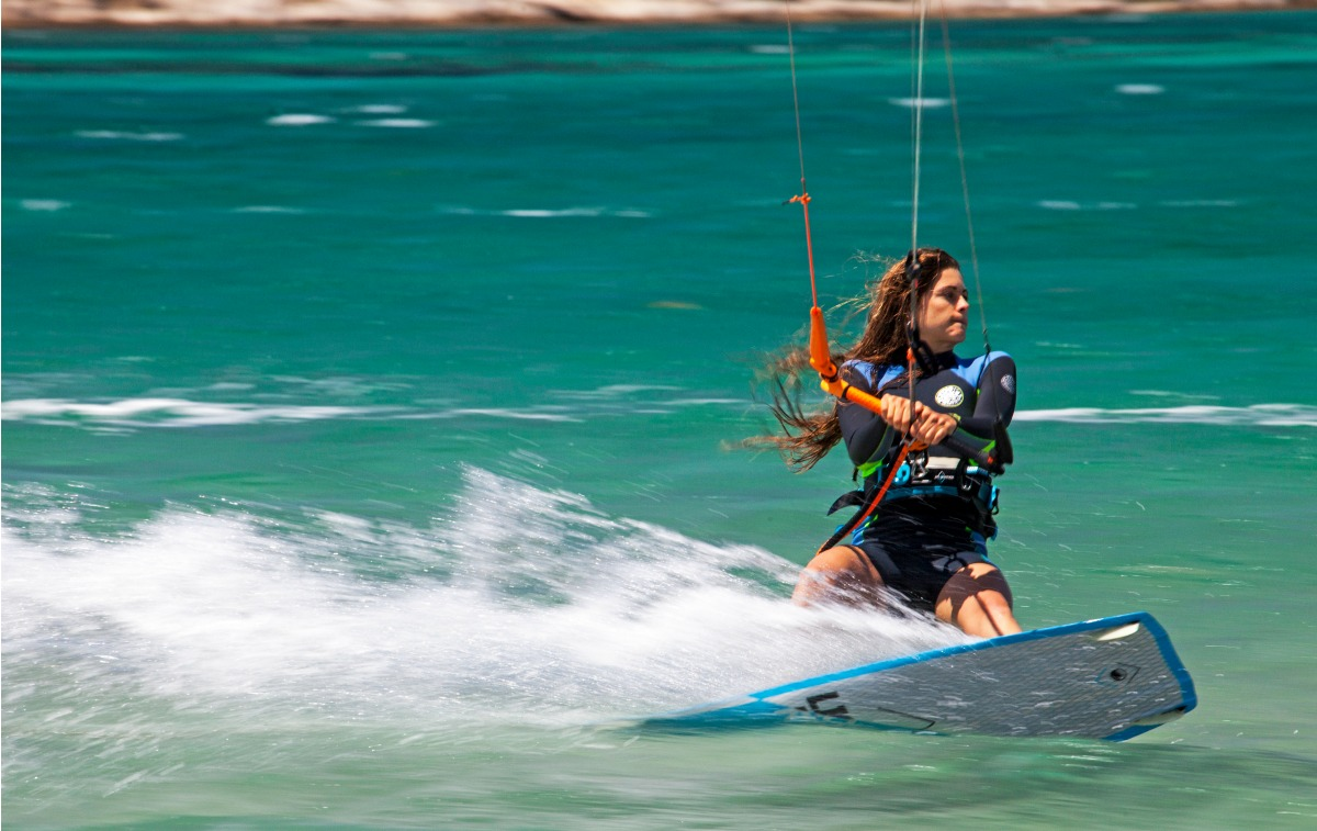 Kitesurf Clinic with Gisela Pulido in Mykonos island Greece. Gisela Pulido kitesurfing.