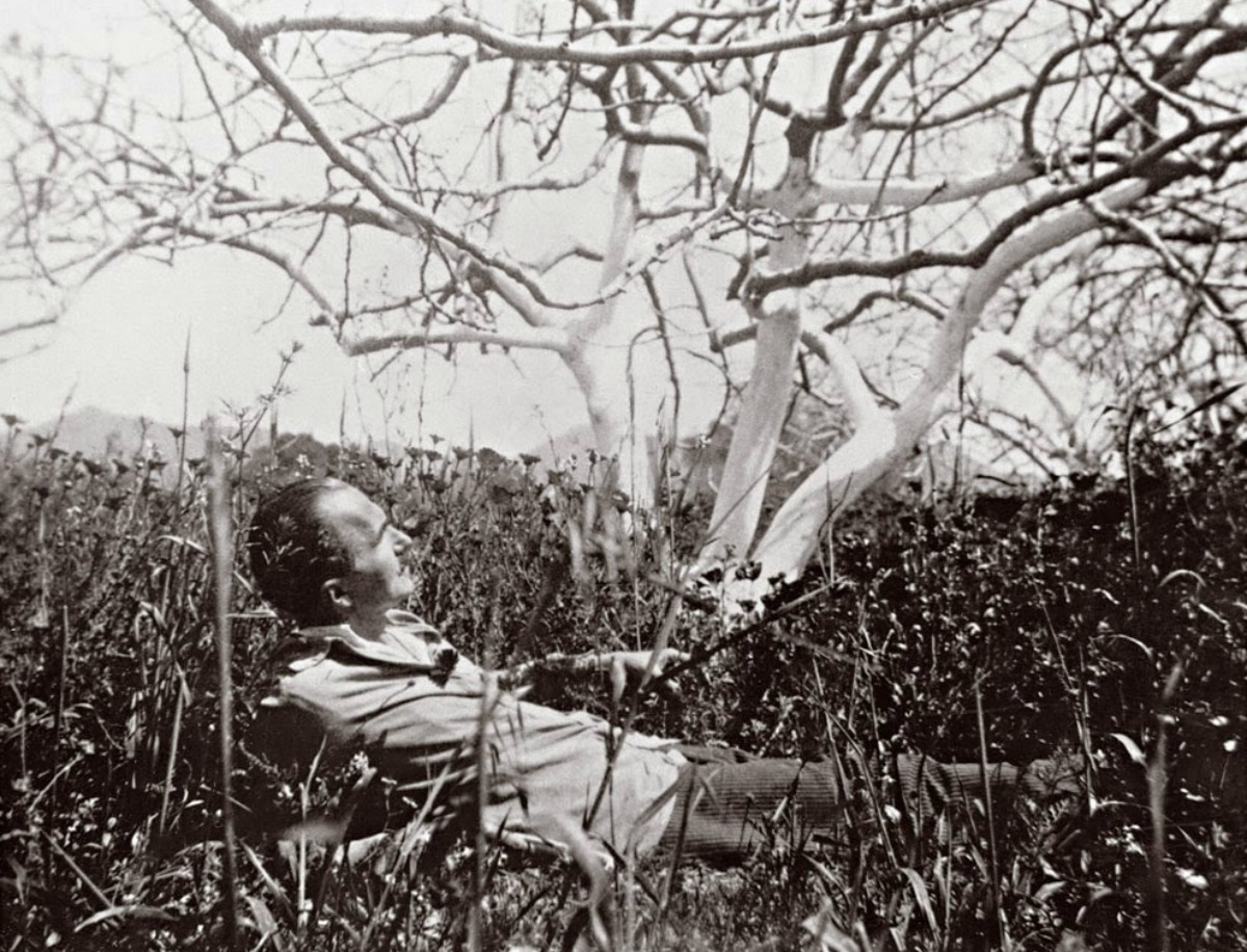 Ο_Νίκος_Καζαντζάκης_στην_Αίγινα._1931.