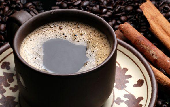 Ο καφές που σε ξυπνάει, σε «ανεβάζει», αλλά μπορεί και να σε σκοτώσει