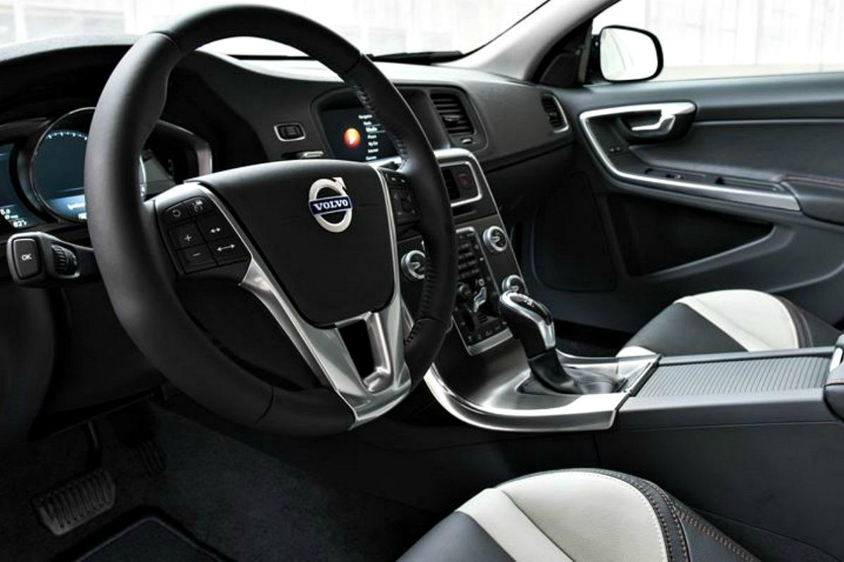 volvo-s60-cc-interior