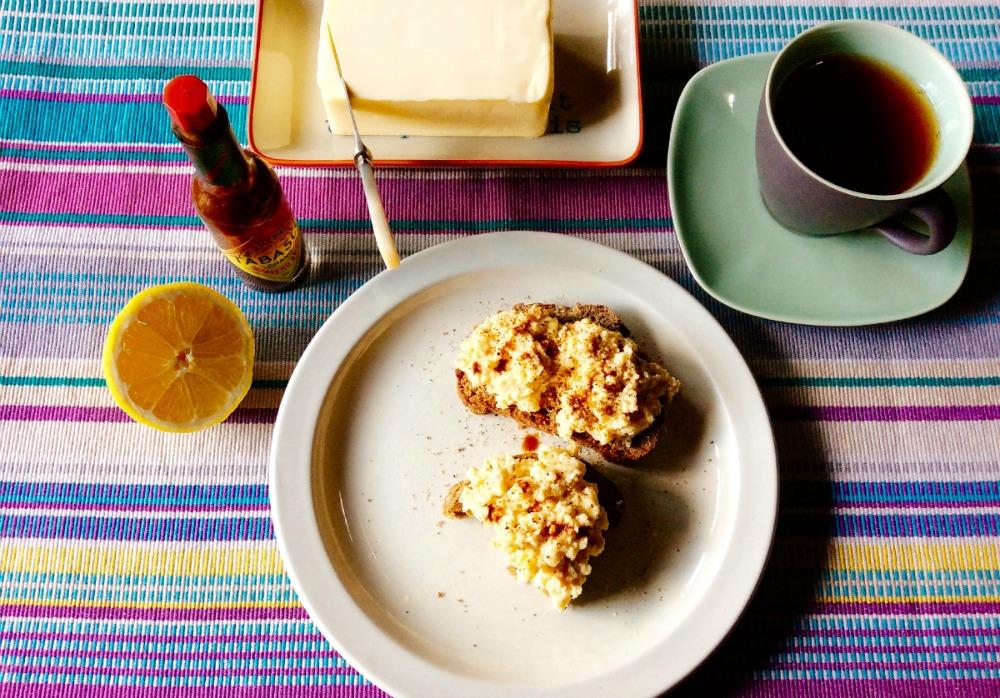 lemony-scrambled-eggs