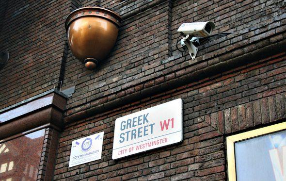 Έξω «περνάμε» καλά: Τα Χριστούγεννα των Ελλήνων στο γιορτινό Λονδίνο